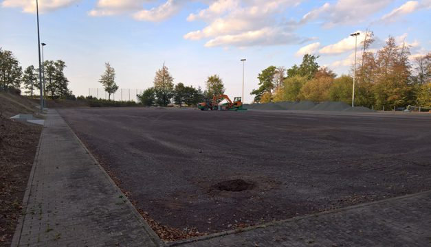 Bau Kunstrasenplatz (2)